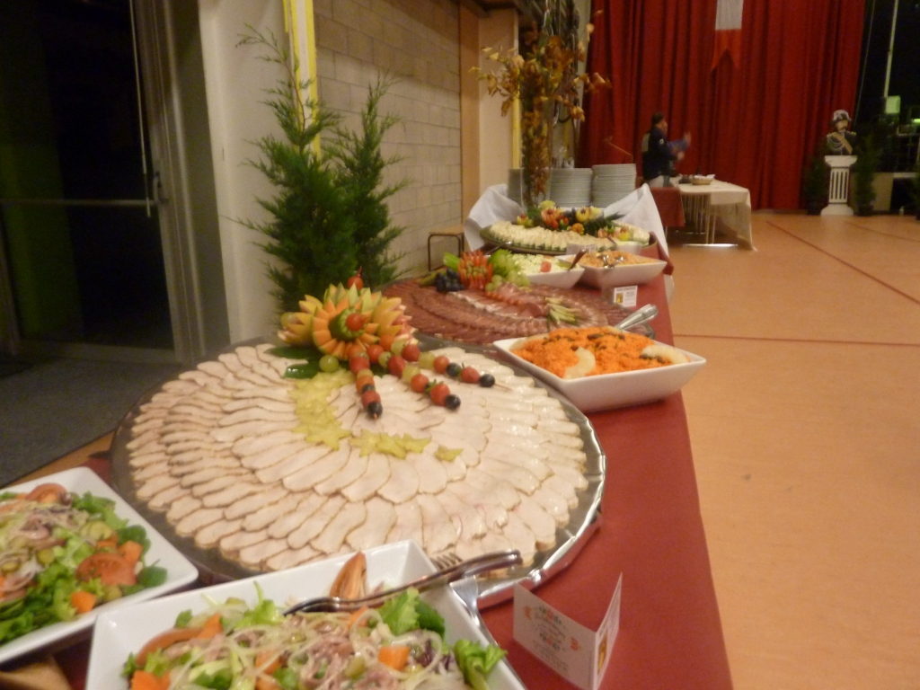 Decoration de buffet froid - Idee presentation buffet froid ...